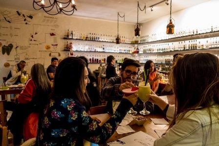 Es obligatorio pagar a la SGAE en un bar